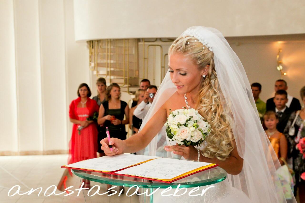 Модные тренды в свадебных прическах